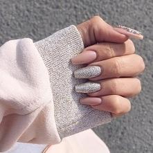 Nails pastel pink silver