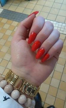 czerwone :D