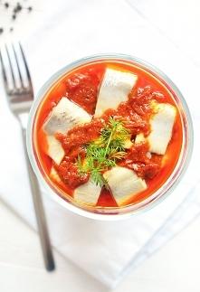 Śledzie po turecku - w papryce i pomidorach