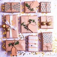 Jak pakować prezenty, pomysły i inspiracje na pakowanie prezentów w szary pap...