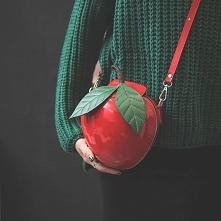 Piękna torebka kuferek jabłuszko. cuuuuudoooo :)