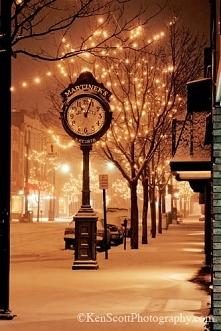 """Meet me at the Clock"" ..."