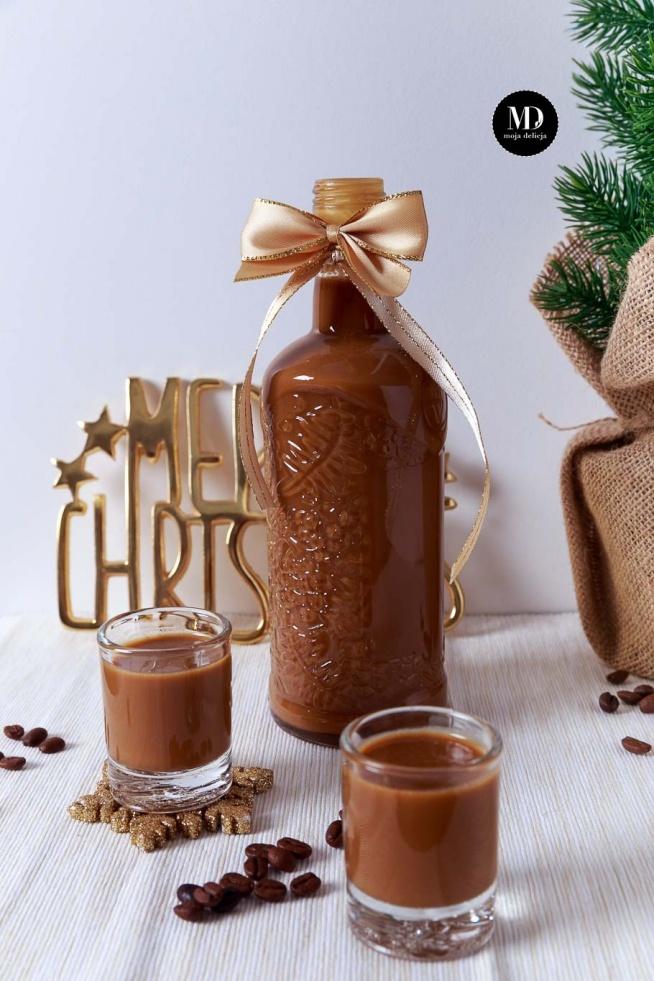 PYSZNY likier kawowy! Domowa kawówka. Prosta do przygotowania. Idealna na prezent dla najbliższej, dorosłej osoby.