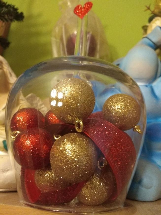 Świąteczna ozdoba z dużego odwróconego kielicha