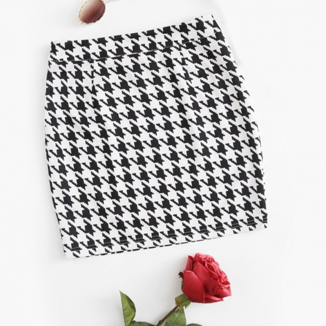 Stylowa i mega modna spódniczka w pepitkę ♥ Kliknij w zdjęcie i zobacz, gdzie ją kupić :)