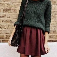 Przytulny sweter i rozkloszowana spódnica  <3