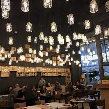 Lamy ze słoików wykonane przez naszą firmę w jednej z krakowskich restauracji