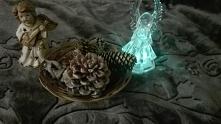 Aniołki i szyszki ozdobione posłużą jako świąteczna ozdoba :)