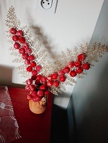 Świąteczne przygotowania to oczywiście przygotowywanie własnych dekoracji :) Tutaj takie dziwne cudo, które zdobi mój dom :)