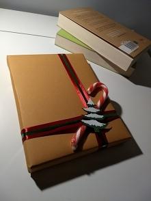 Proste i szybkie zapakowanie książki na prezent