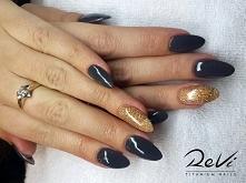 A może manicure tytanowy Revi na Sylwestra? <3 :)