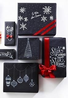 Proste i cudne zapakowanie prezentów.