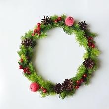 Wianek świąteczny zielono czerwony, znajdziecie na zielonamieta. dawanda.com