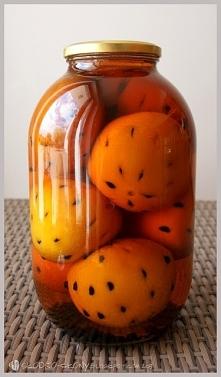Składniki na 1l: · 1l spirytusu · 1l wody · 1 kg cukru · 12 pomarańczy · 3 ga...