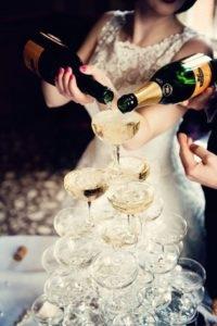 Co myślicie o weselu w stylu sylwestrowym? :)  Jeśli szukacie takich inspiracji, wpadajcie na weselenaoku.pl :)  Fot. via Love Luxe Weddings & Parties