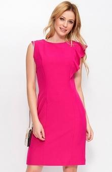 Makadamia M400 sukienka fuksja Wizytowa sukienka, wykonana z gładkiej, jednolitej tkaniny, ołówkowy fason podkreśla sylwetkę