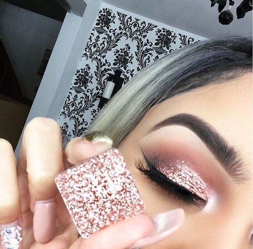 This eyeshadow looks so good