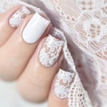 Co sądzicie o koronkowym manicure do ślubu? :) Fot. @marinelp91 (Instagram)