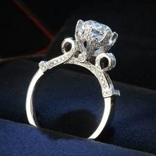 piękny pierścionek:) srebro link po kliknięciu na zdjęcie:)
