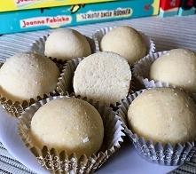 Proteinowe trufle kokosowe:...