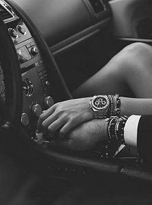 """""""Chciałabym, żebyś zadzwonił kiedyś do mnie w nocy i rzucił krótkie: 'Czekam w samochodzie.' Nikt nie wiedziałby, że wyszłam, że byłeś ze mną, że spędziliśmy tę n..."""