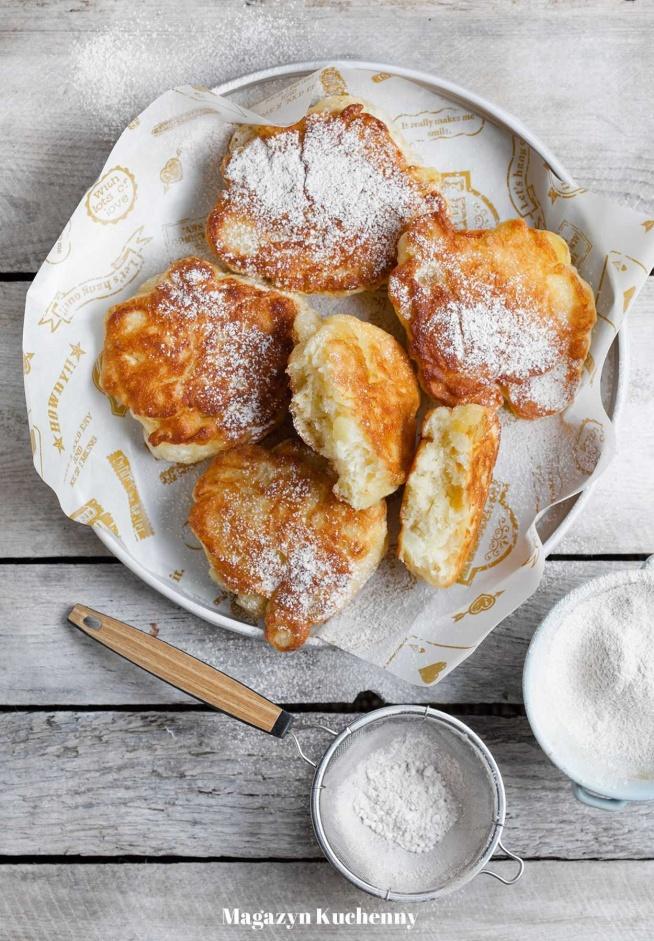 Idealne śniadanie albo podwieczorek. Super pulchne racuchy budyniowe z jabłkami. Petarda! Przepis po kliknięciu w zdjęcie.