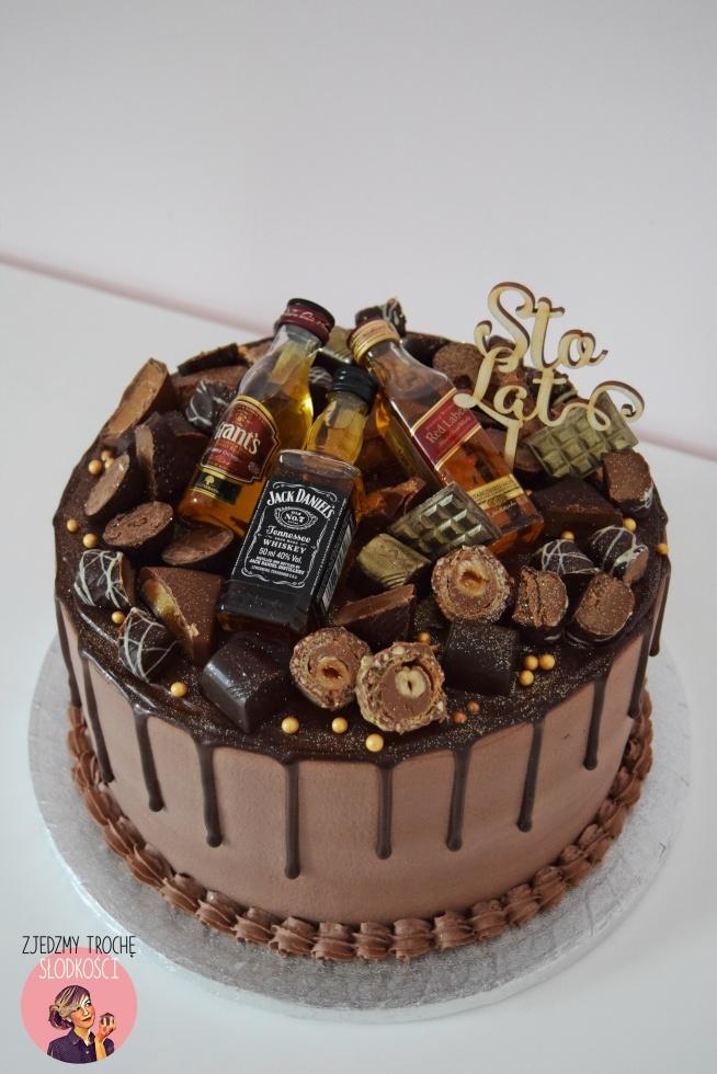 Tort z mini buteleczkami Whisky