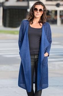 Lapasi L029 sweter niebieski Modny kardigan damski, dłuższy fason, wykonany z miękkiej jednolitej dzianiny