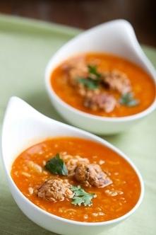 Zupa pomidorowo-kapuściana o smaku gołąbków