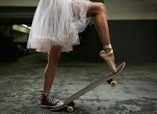 Taniec życia. Balet , tango, disco... albo tupanie nogą... słucham muzyki...