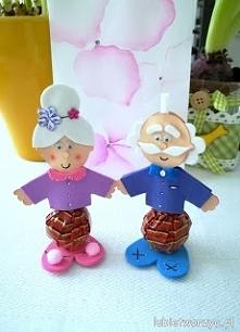 Tutorial ukazujący sposób powstawania lizakowych - babci i dziadka. Idealny pomysł na prezent! :)