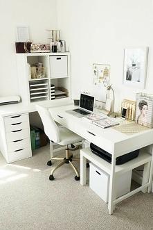 Domowe biuro przy użyciu mebli z IKEA