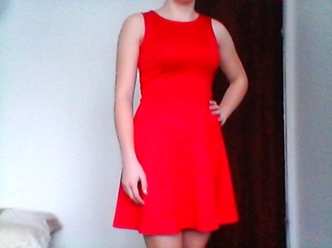 Czerwona sukienka :)