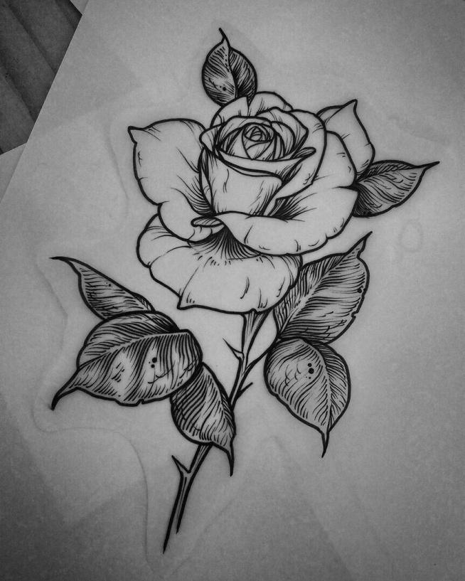 Fajny motyw na zrobienie sobie tatuażu. Róża.