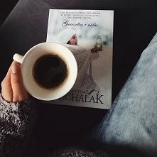 """""""Gwiazdka z nieba"""" Katarzyny Michalak. Nataniel jest nieco poturbowany przez życie- stracił nie tylko bliskich, ale i dach nad głową. Musiał zacząć radzić sobie sam, r..."""