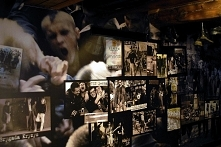 Odwiedzamy Muzeum Rocka w Jarocinie. Co za czasu punk doczekał się swojego miejsca w historii.