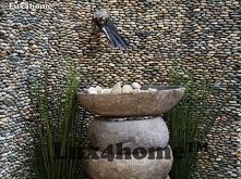 Umywalka z kamienia naturalnego - kamienia polnego w łazience. Doskonale nadaje się na balat kamienny, drewnianą szafkę, półkę a szersza może być nawet podwieszona. Umywalka z k...