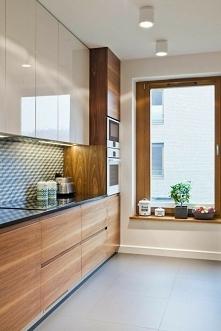 Drewno & czerń & biel = kuchnia idealna