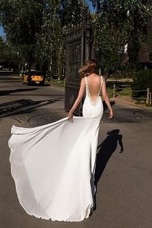 Pięknie skrojona suknia, mi...