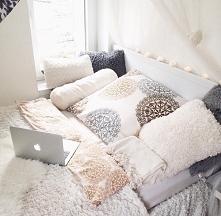 Łóżko.