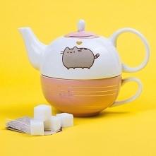Pusheen poleca się na zimowe wieczory z herbatką ! <3