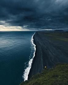 Czarna plaża - Islandia