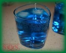 Ice Bear, czyli mix wódeczki, likieru blue curacao i sprita;D