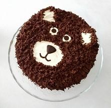 Tort czekoladowo-wiśniowy :)