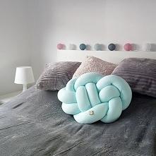 Piękna miętowa poduszka pon...