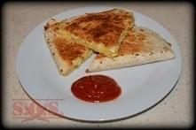 Śniadaniowa rewolucja... czyli quesadilla z jajecznicą;D