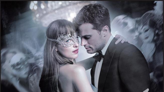 Christian Grey jest postacią, za którą nie przepadam od czasów przeczytania książki i obejrzenia ekranizacji. Skusiłam się jednak na seans filmu Ciemniejsza strona Greya, by przekonać się jak potoczyły się losy bohaterów.  [recenzja po kliknięciu w obrazek]