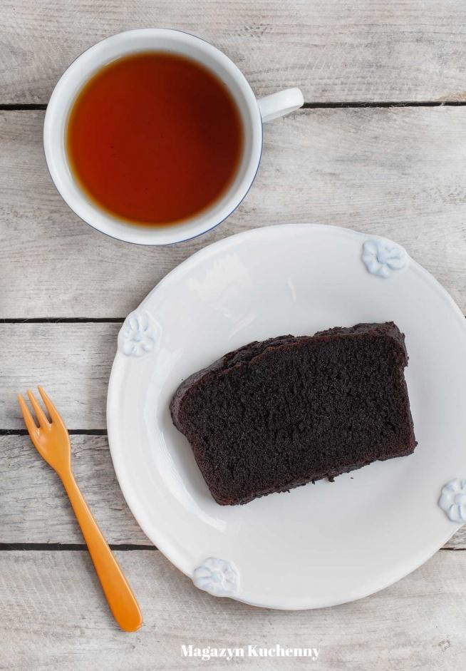 Proste, idealnie puszyste ciasto czekoladowe. Przepis po kliknięciu w zdjęcie.