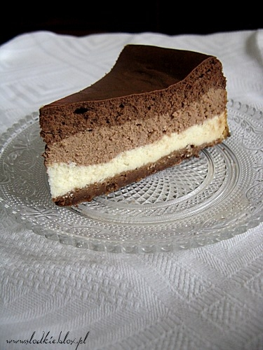 Sernik z trzema czekoladami