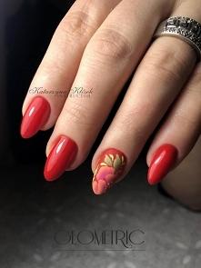 Czerwone paznokcie z kwiatowym akcentem;)  Red Ferrari w roli głównej <3